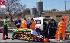 Un anciano de 88 años muere al chocar con un camión en Coves de Vinromà