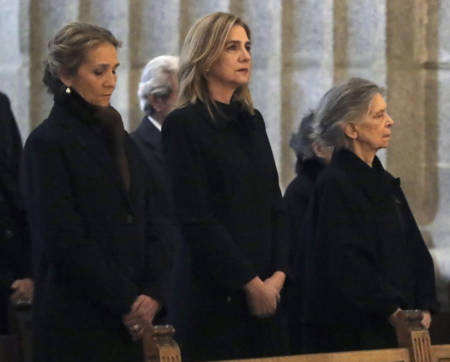 Fotos de la misa funeral en el 25 aniversario de la muerte de Don Juan