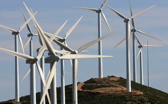 Tres empresas proyectan parques eólicos en la única zona liberada por el Consell