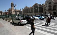 Las restricciones de tráfico ahogan los accesos del Mercado Central