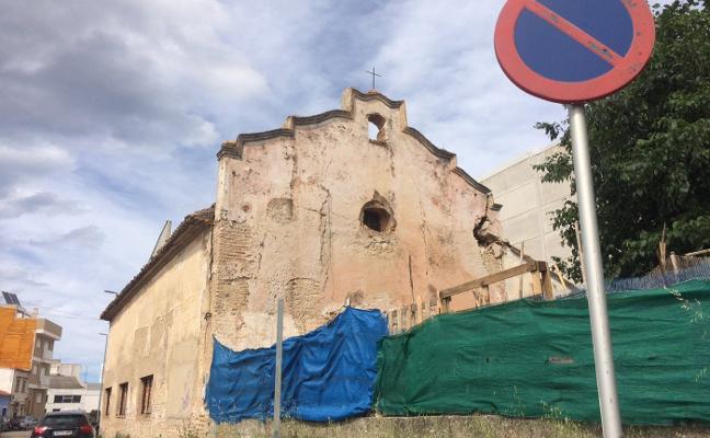 Gandia coloca de urgencia una cubierta en Sant Vicent para evitar nuevos desprendimientos