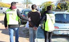 Dos hermanos, detenidos en Torrevieja por tres delitos de corrupción de menores