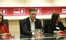 Pedro Sánchez: «Cifuentes no tendrá máster, pero Rivera se está doctorando en cinismo»