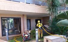 Desalojan a 40 personas de un edificio en Xàbia tras un incendio en la planta baja