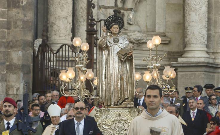 Procesión en honor a San Vicente en Valencia