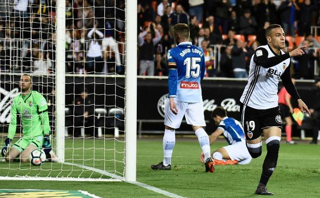 Mestalla tutea al Camp Nou y al Metropolitano