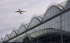 Un dron choca con un avión en Elche