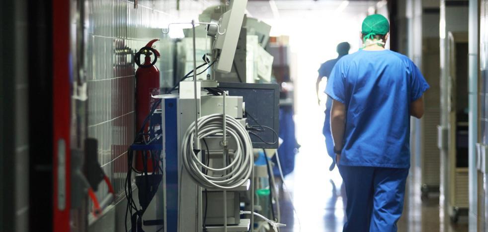Sanidad precisa un edificio anexo al hospital de Alzira sólo 10 días después de la reversión