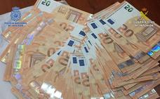 Introducían billetes falsos en la Comunitat por el «sistema de goteo» procedentes de Italia