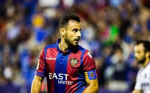 Pedro López se retira del entrenamiento por un golpe pero estará ante el Atlético