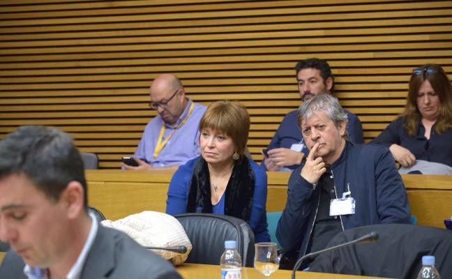 Les Corts fuerza la comparecencia de Xambó por sus insultos a los periodistas