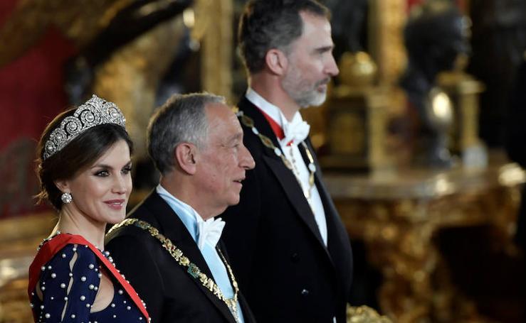 Letizia estrena la tiara Cartier