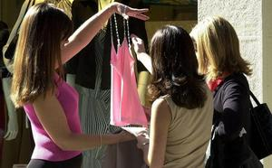 Los expertos alertan: Hay bacterias fecales en la ropa nueva