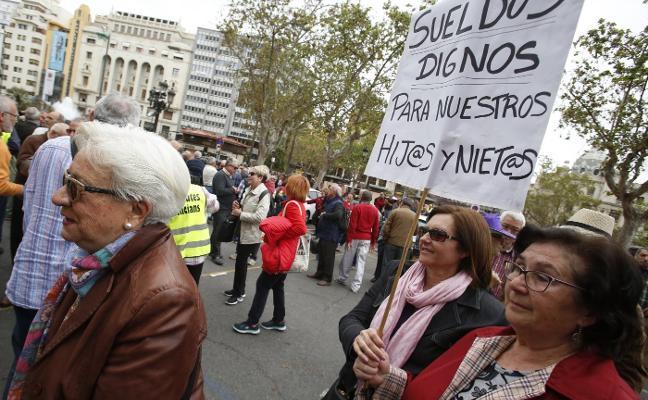 Jubilados cargan contra UGT y CC OO por dividir al colectivo en las protestas sobre las pensiones