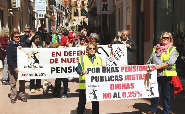 Salen a la calle para pedir pensiones dignas