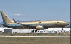 ¿De quién es el jet dorado que ha aterrizado en Valencia?