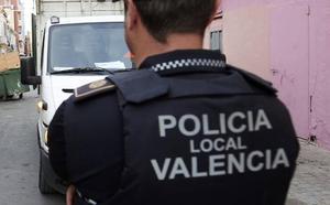 La policía precinta un bar clandestino en Orriols que servía comidas y hacía fiestas