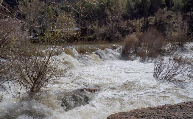 El Júcar se desborda en Cuenca y los pantanos se recuperan tras las lluvias