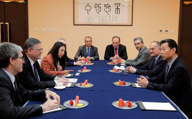 Puig promete a las compañías de China suprimir trabas burocráticas para implantarse