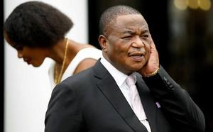 Zimbabue despide a 15.000 enfermeros en huelga por bajos salarios