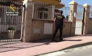 La Guardia Civil evita el homicidio de una mujer al detener a tres narcotraficantes en Mijas