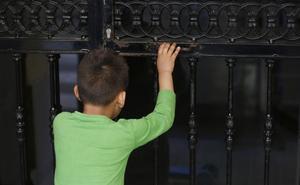 Padres de niños con autismo, en pie de guerra por los recortes del Consell