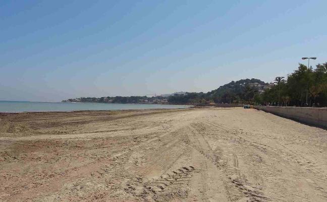 Dénia pide a Costas que utilice arena de playa en la regeneración