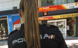 Detenido un hombre de 53 años por besar en la boca a un niño en el baño de un centro comercial valenciano