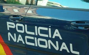 Estrangula por la espalda y roba 500 euros a un conocido que contaba billetes en la calle en Patraix