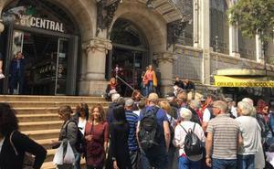 Valencia, tomada por los turistas que llegan en los cruceros
