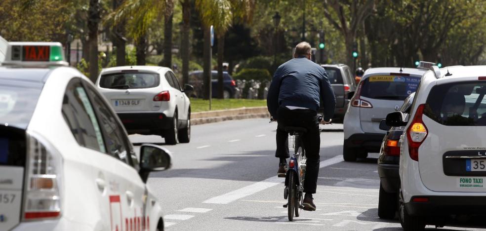 El Ayuntamiento hará un carril bici separado en Fernando el Católico