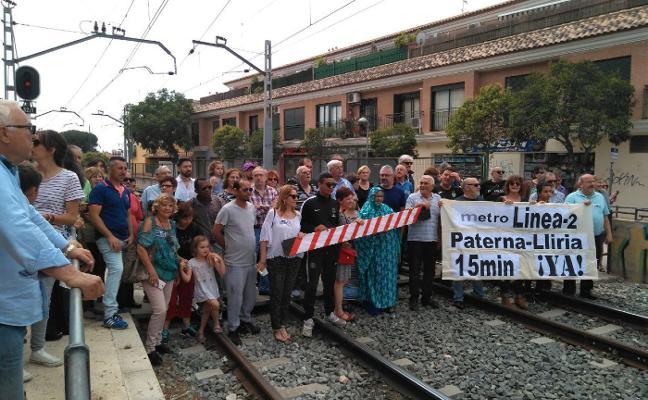 La Plataforma 15 Minutos reclama el apoyo de Valencia para mejorar la frecuencia de la línea 2