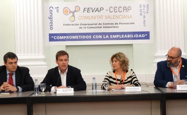 Xàtiva apuesta por la formación y acoge un congreso de empresas del sector