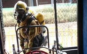 Un hombre sufre quemaduras en las piernas al intentar sofocar un incendio en Calp