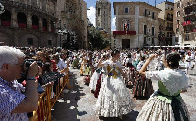 Fuset se enfrenta con la Interagrupación tras los cambios en la dansà a la Virgen