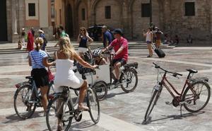 La secretaria de Turismo insta a la Comunitat a explotar su seguridad como destino frente otros países del Mediterráneo