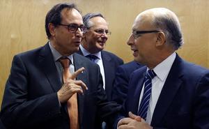 La Generalitat tarda el doble en pagar que el resto de autonomías del país