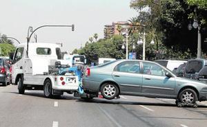El Ayuntamiento paga a la grúa hasta un 70% más al mes tras retirarle la concesión