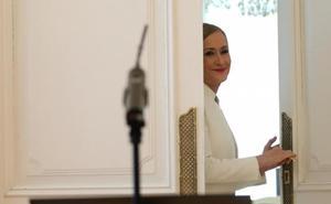Cifuentes cobrará un sueldo mínimo de 3.503 euros como diputada