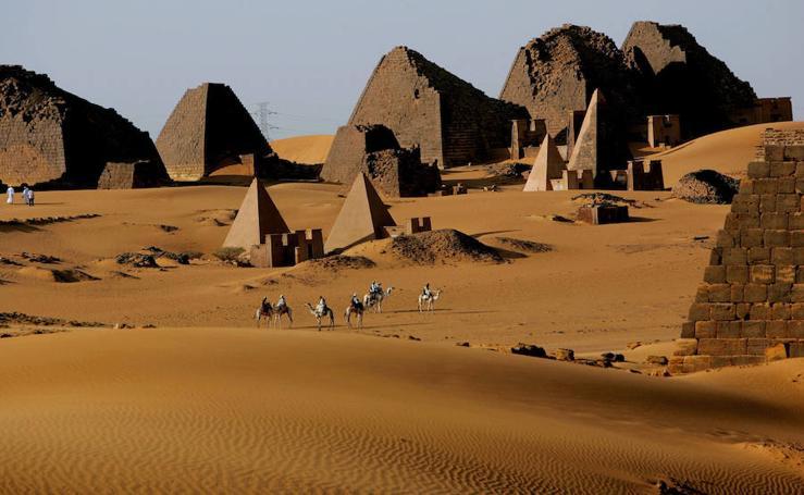 Viaje al país de las pirámides sin turismo