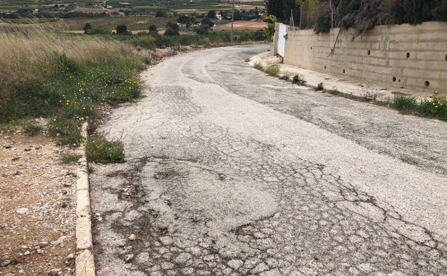 Vecinos de Calicanto exigen el reasfaltado de calles, iluminación y una zona de esparcimiento