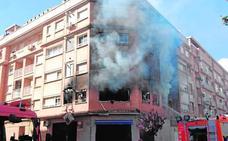 Buscan a un hombre acusado de quemar el piso de su exmujer en Albal
