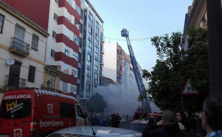 Incendio en la finca okupada de la calle Sagunto de Valencia