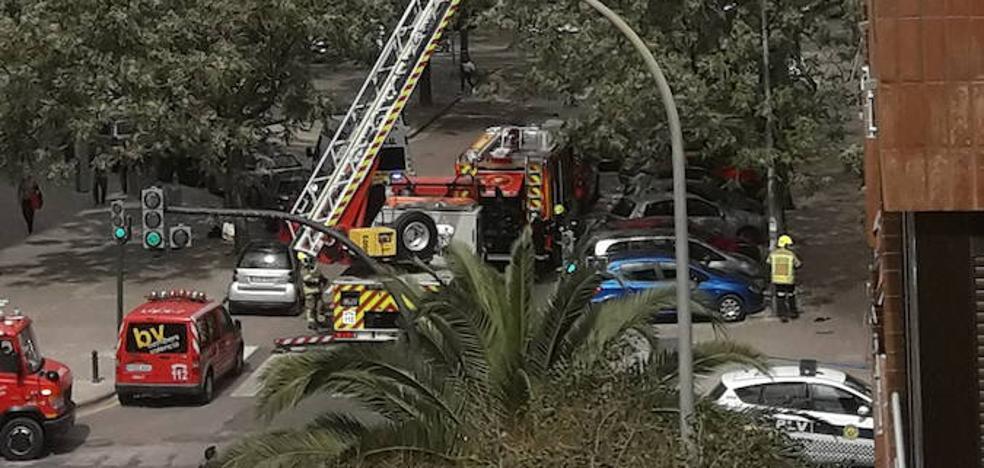 Los bomberos sofocan un conato de incendio en Campanar
