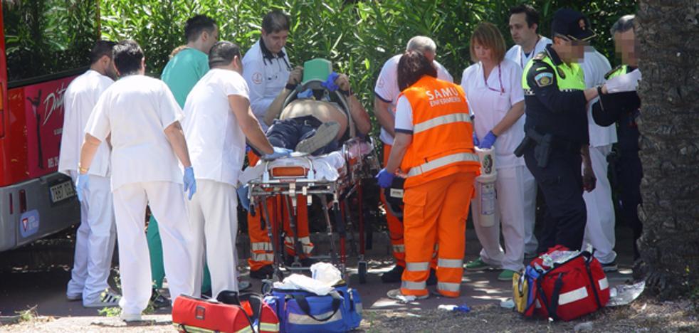 Muere el hombre atropellado por un autobús de la EMT junto a La Fe