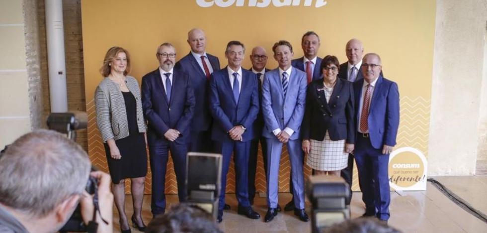 Consum se plantea comprar parte de Eroski y contratar a 700 trabajadores