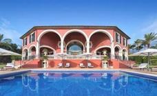 Venden por 13 millones la villa de Adolfo Suárez en Mallorca