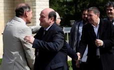 La declaración de Cambo pide medidas para los presos de ETA y se olvida de las víctimas