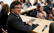 JxCat propone investir a Puigdemont antes del 14 de mayo con la reforma de la Ley de Presidencia