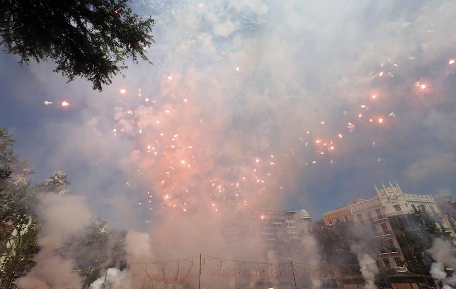 Mascletà del día de la Virgen de los Desamparados en Valencia